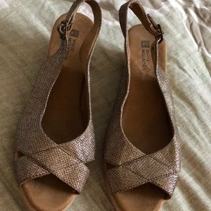 White Mountain Gold Sparkle Open Toe Slingback Wed